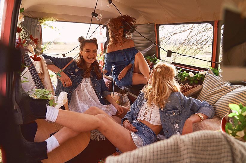 Stwórz swój look na festiwal jak światowe influencerki