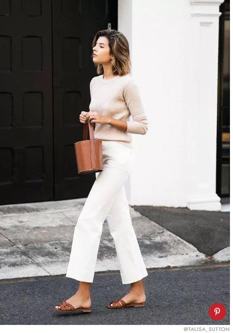 Białe spodnie dla kogo są i co do nich założyć? Poznaj