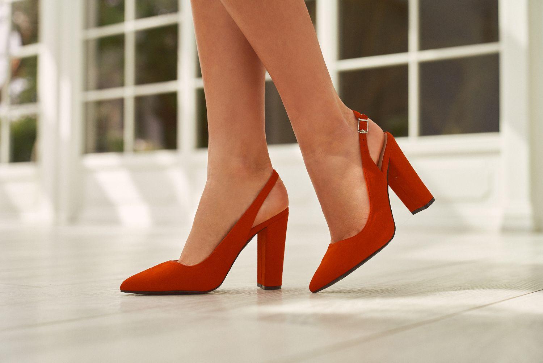Bezowe Klapki Na Plaskiej Podeszwie Heels Shoes Mule Shoe