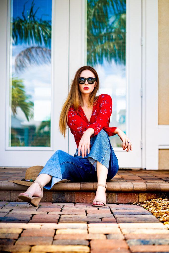 Czerwona bluzka damska stylizacja