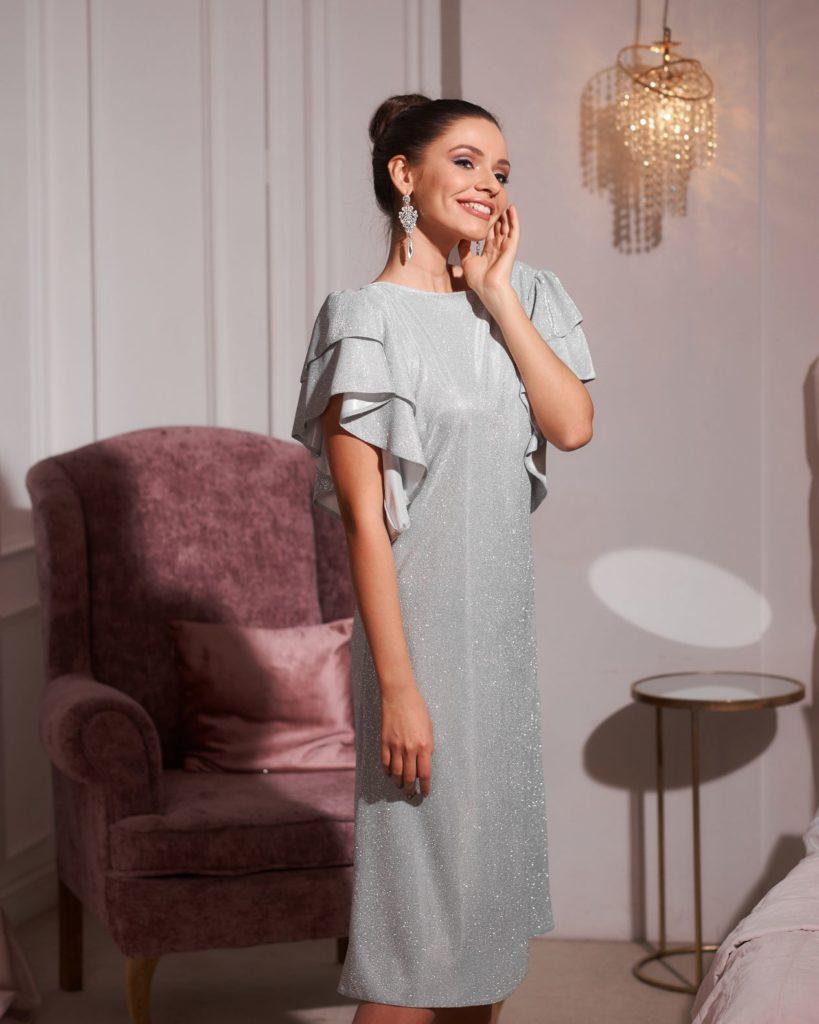 Trapezowa sukienka - modne stylizacje