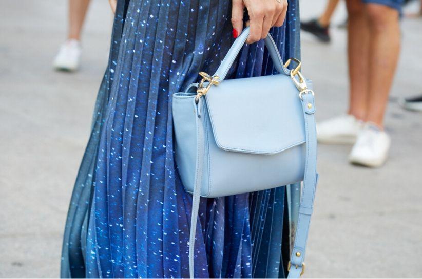Stylizacje z niebieską torebką. Podkręć swój look! Blog Renee