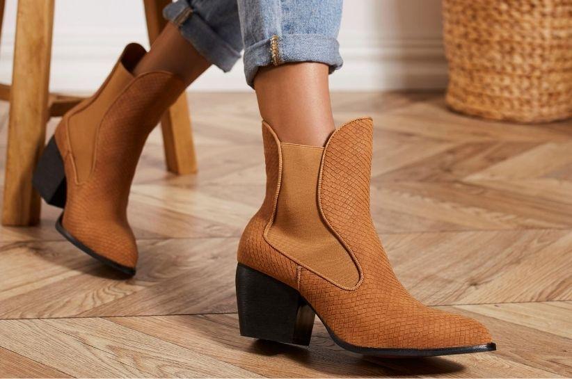 Kowbojki Damskie W Najswiezszym Wydaniu Te Stylizacje Wkrotce Zawojuja Swiat Fashion Blog Renee