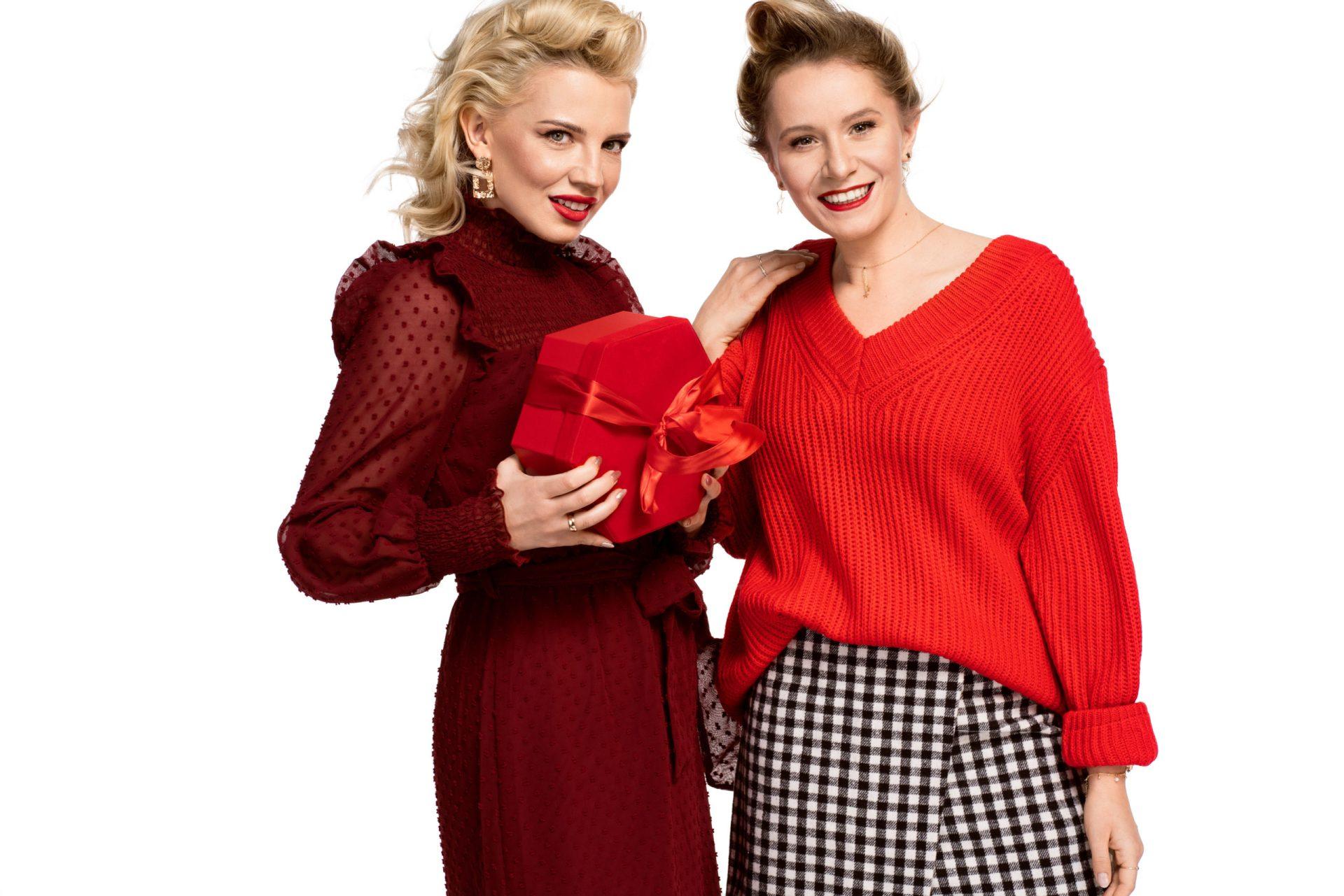 świąteczny red total look